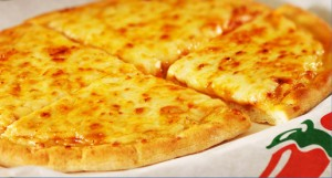 chilispizza 300x161 Chilis: Kids Eat Free 8/1